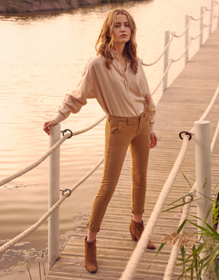 Chino Sandy Basic - BRONZE MIST